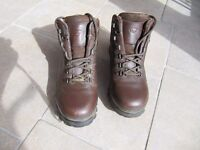 Brasher Ladies Walking Boots Size 7. Almost New.