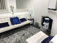 Consultation space hire at Bank, City of London. Private Therapy Office, Treatment room for rent.