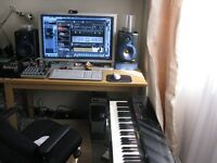West London Funk-R&B-Soul-Pop/HipHop/Rock-Pop producer and mix engineer to produce/mix your songs