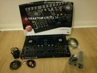 Native Instruments Traktor Kontrol S4 MK1 with Gator G-Club carrier bag