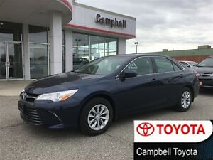 2016 Toyota Camry LE BLUETOOTH--REAR CAMERA--LOW KM'S