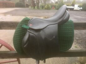 Albion Jump Saddle