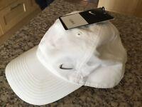Nike White Unisex Brand New Baseball Cap