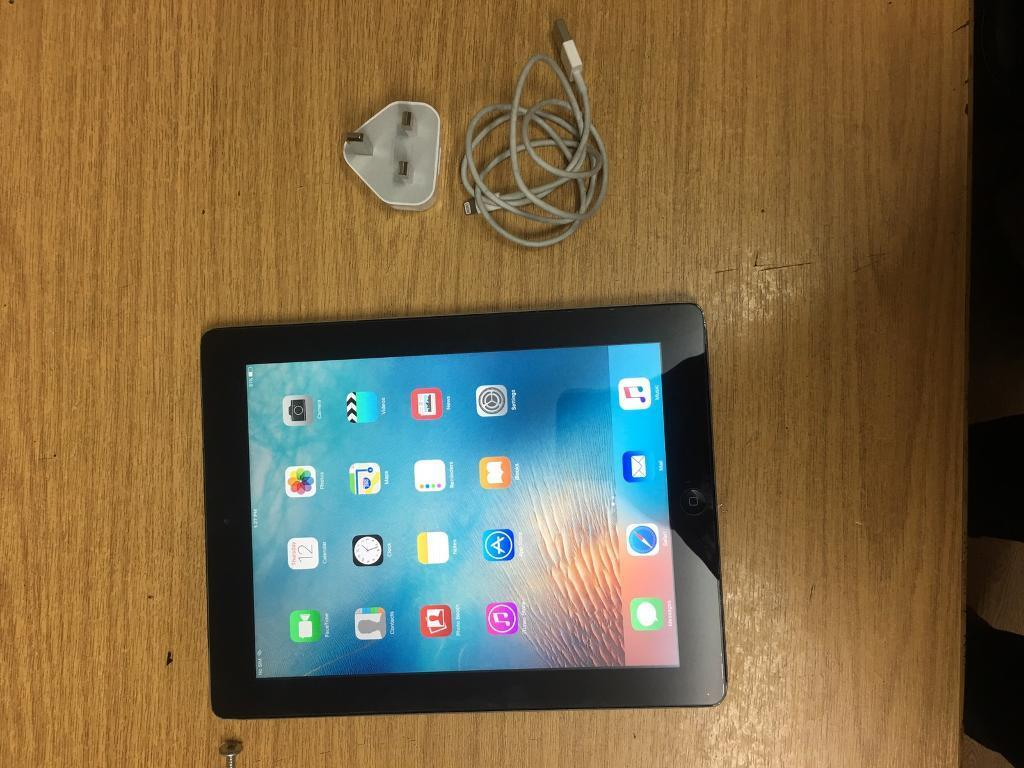 Ipad 4 Black Unlocked Cellular Mint Conditionin Seven Sisters, LondonGumtree - Ipad 4 Cellular 3g/4g Unlocked Good Condition Good working orderComes witth charger Call or text on 07460635019