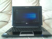 ( MINT CONDITION ) netbook / laptop windows 10