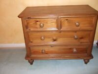 Lovely matching chest of draws and bedside draws.