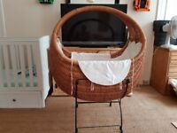 Large wicker crib (basinett)