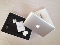 MacBook Air 13'3inch 128GB SSD 8GB Memory Intel HD Graphics 6000 1536 MB Turbo Boost Up to 2.7 GHz