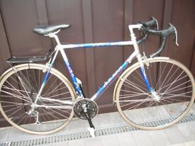 Road cycle Olmo Giro quality components medium size good condition