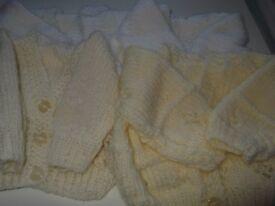 4 newborn cardigans cream