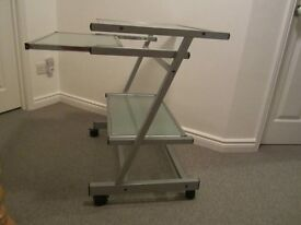 COMPUTER TROLLEY ON CASTORS