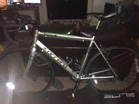 Carrera Vanquish 2015 Road bike (54cm frame) + accessories