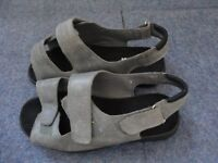 Womens Cosyfeet Extra Roomy Grey Sandals Size 7