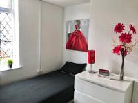 Large single room near the heart of Darlaston, Bills inclusive of rent NO DEPOSIT