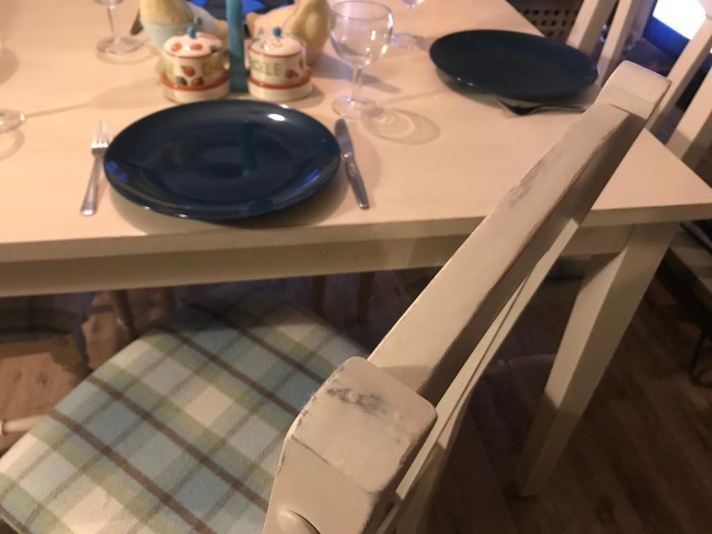 Dining table. Shabby Chic