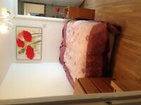 Large Double room in centre Clifton Village