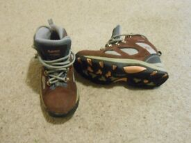 Hi Tec Walking boots size 4