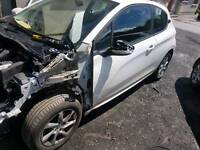 Peugeot 208 for breaking only