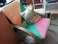 Bouncing armchair in very good condition Can deliver or collection