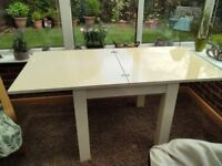 Extending table from Next
