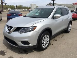 2015 Nissan Rogue S AWD w/Back up camera