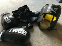 16oz Boxing gloves, size 10 boxing boots, head guard & wraps Boxing Equipment .