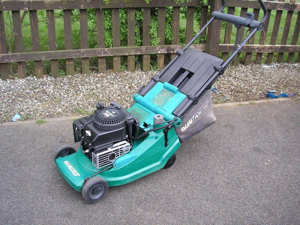 qualcast petrol lawnmower in corby northamptonshire. Black Bedroom Furniture Sets. Home Design Ideas