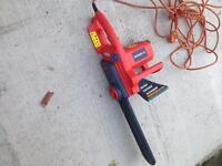 Sovereign 1800watt electric chain saw