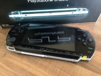 SONY PSP 1000 VERY GOOD CONDITION ORIGINAL BOX AND PAPERWORK