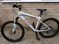 Womens GT avalanche 3.0 mountain bike