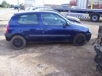 RENAULT CLIO CHEAP LITTLE RUNABOUT OR IDEAL BEGGINER