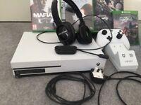 Xbox one mafia 3 halo headphones