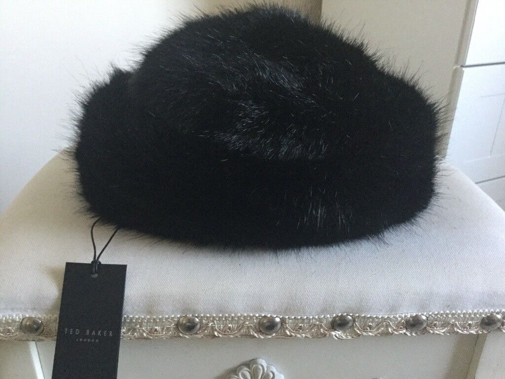 New with tags ladies Ted Baker Fur Hat  4b70128b3f2