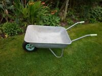 Garden Whheelbarrow with pneumatic tyre