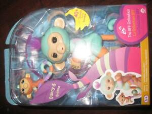 WOWWEE Fingerlings Big Monkey wtih Matching Baby Monkey. Fun Electronic Toy Game. Respond to Sound. Motion. Touch