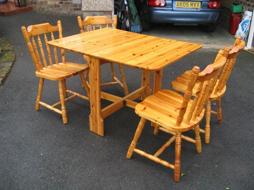 Folding Pine Table And 4 Chairs In Pristine Condition