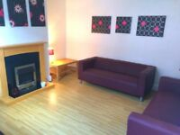 NO AGENCY FEES ! - ROOM TO LET SHARING WITH UNIVERSITY OF LEEDS AND LEEDS BECKETT POST GRAD STUDENTS