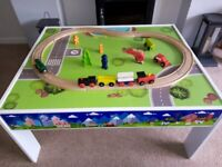 Play train and car table