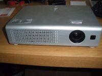 Hitachi Projector CP-RX61
