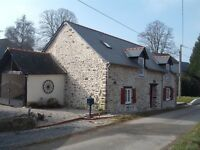 Detached cottage in Chevaigne du Maine, Mayenne, France. Fully renovated, 3 bedrooms, 2 bathrooms.