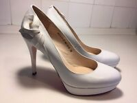 Pristine Ivory high heeled Sinta Gamma shoes leather outside in -Size 38 (UK5)