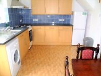 2 (Double) rooms available in same 3bedroom house with garden and living room.