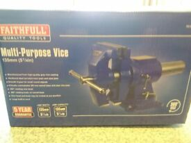 brand new in box bench vice flat and pipe jaws cost over £100