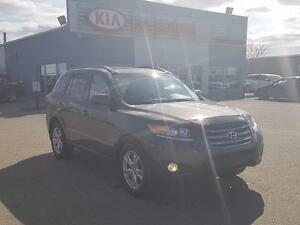 2012 Hyundai Santa Fe GL 3.5 Sport PST Paid - All Wheel Drive...