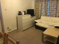 A WELL PRESENTED ONE BEDROOM HOUSE LOCATED WITHIN WALKING DISTANCE TO ISLEWORTH & OSTERLEY STATIONS