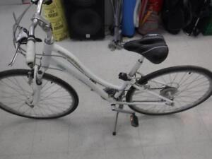 GIANT Cypress Women's bicycle. WE buy/sell bikes. 116369*