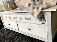 Blanket box with drawers