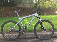 "GT Avalanche MTB, 16"" frame, 1 x 9 gearing, great condition, light, 26"" wheels"