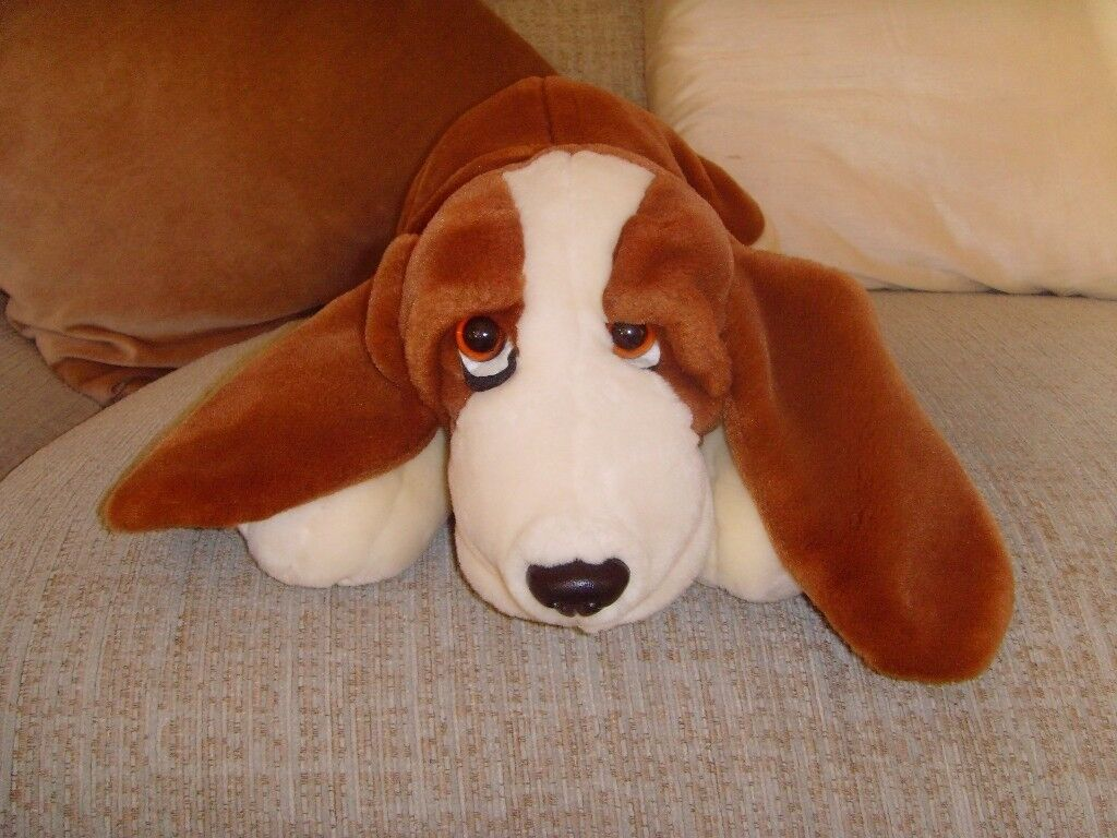 BASSET HOUND SOFT TOY - £1