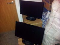 2 x BENQ G2420HD 24 INCH 1080P FULL HD LCD MONITORS